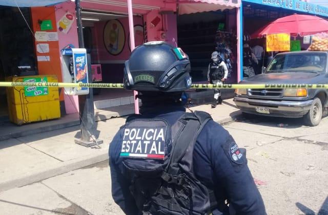 A puñaladas, asesinan a checador de urbanos en Coatza