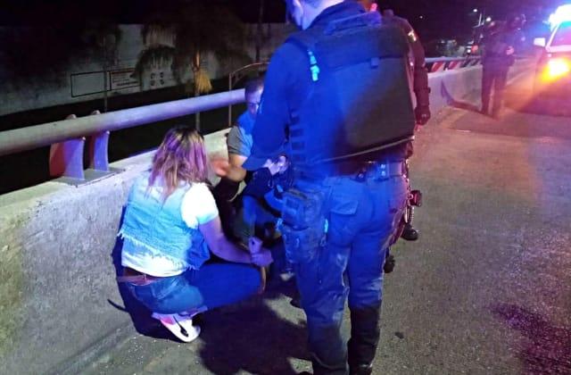 Taxistas impiden suicidio de una joven en Córdoba