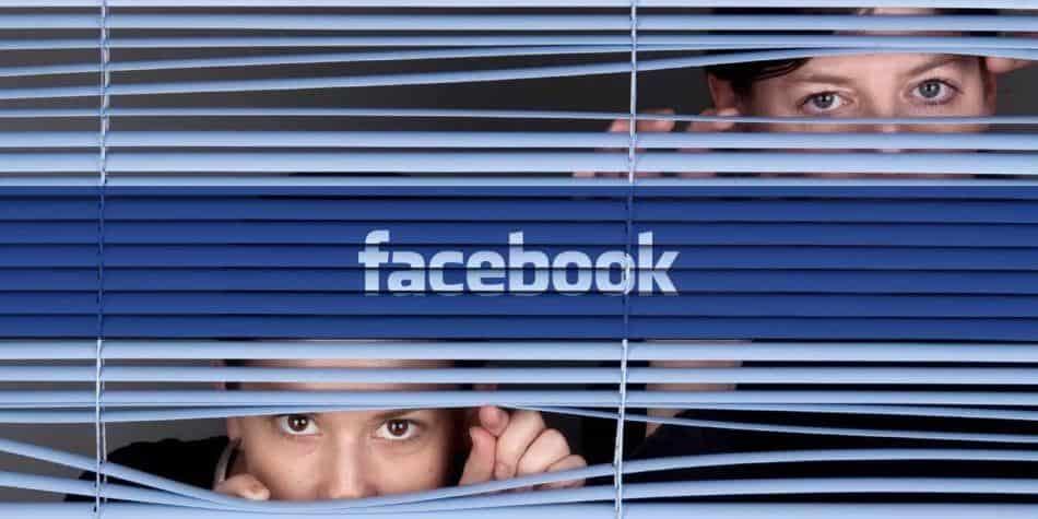 ¡Cuidado! Facebook podría estar espiándote