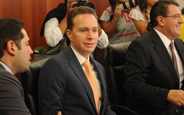 Senado recula y otorga licencia a Manuel Velasco