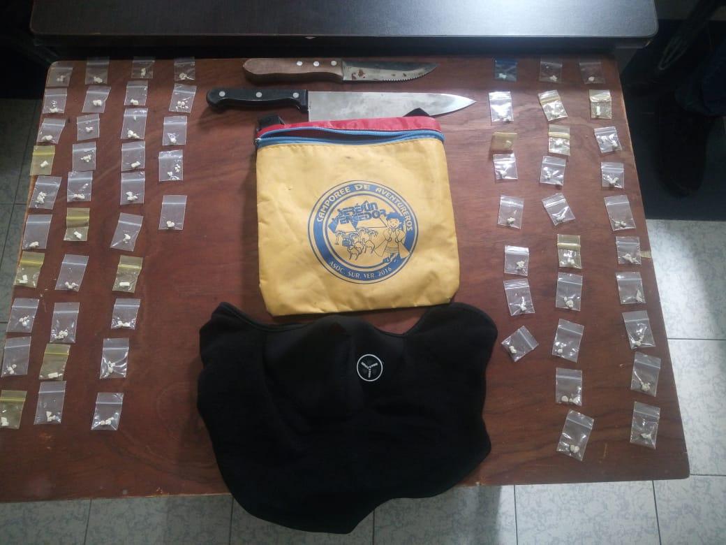 Detienen a dos por portación ilegal de droga, en Coatza