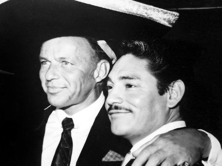 Celebra el cumpleaños de Javier Solís recordando su encuentro con Sinatra