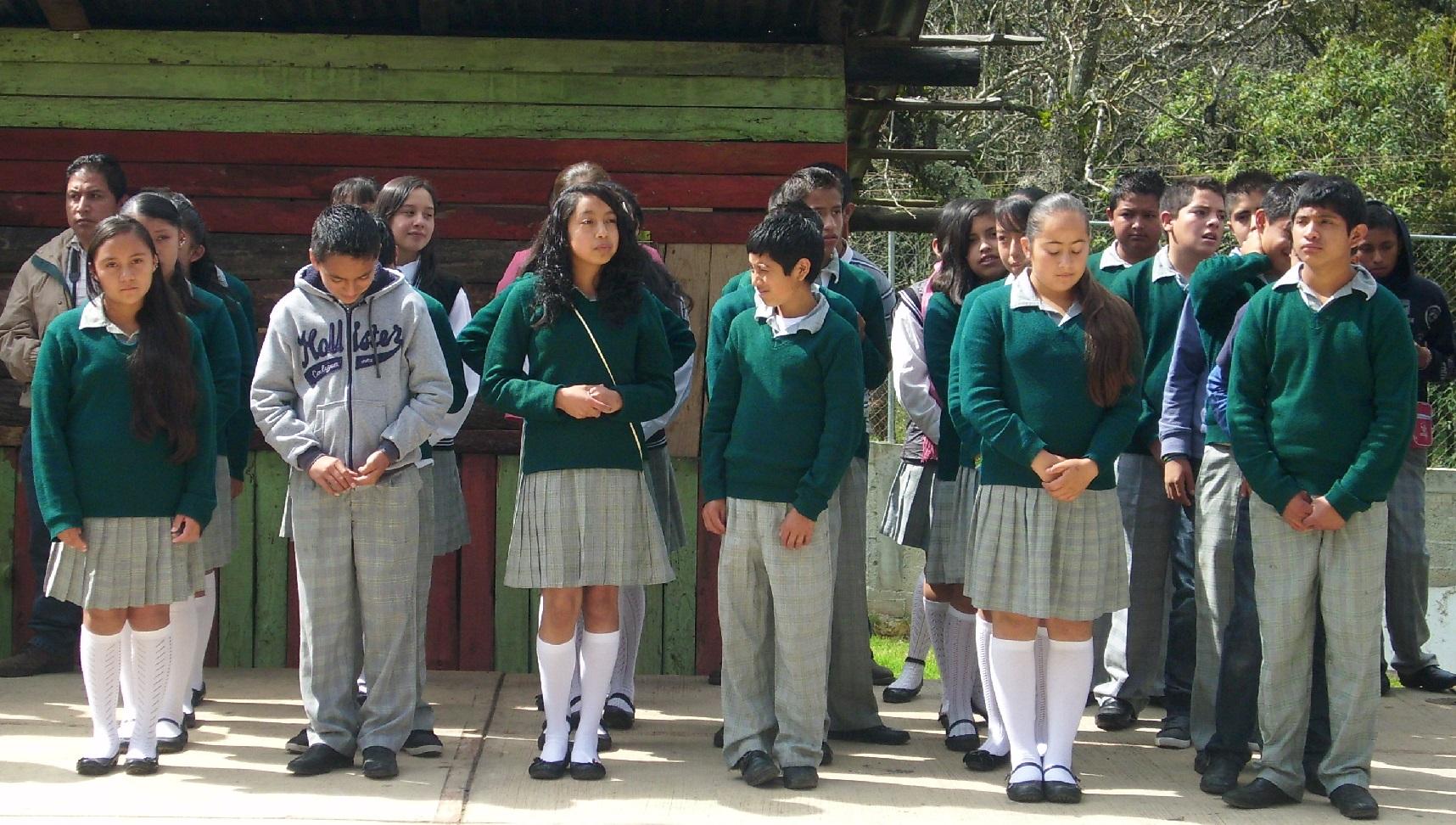 Cierran Telesecundaria de Tlaltetela por amenazas a los profesores