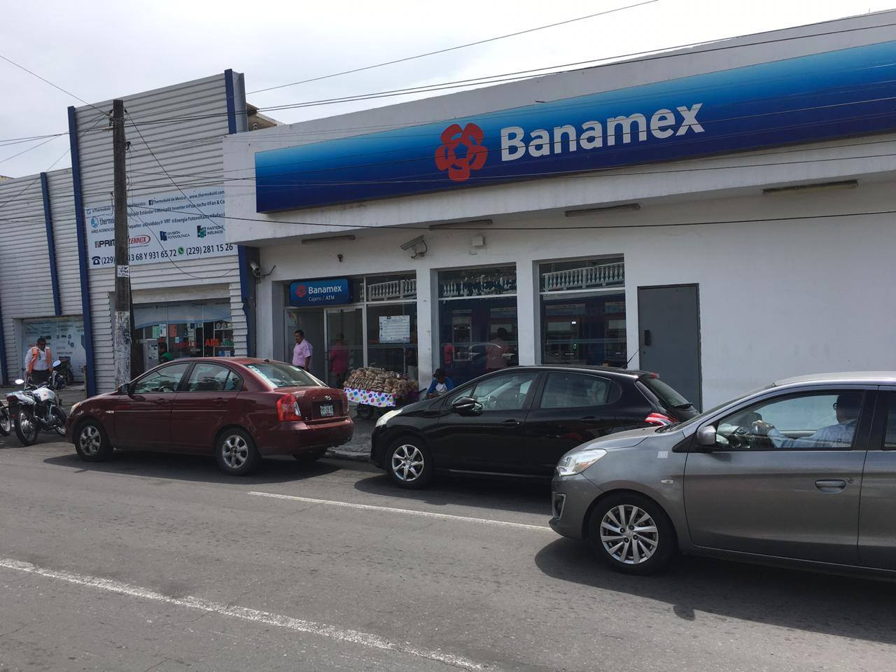 Continúan robos en Veracruz, asaltan banco en colonia Reforma