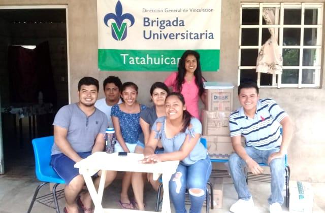 Universitarios pausan clases para ayudar con vacuna covid