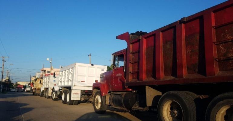 Trabajadores de limpia pública paran labores en Coatzacoalcos