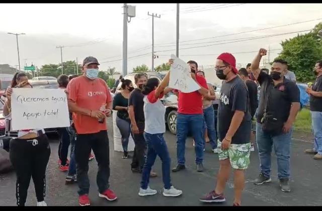 Tres meses acarreando cubetas: vecinos de Veracruz exigen agua