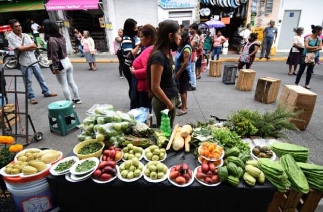 ¡Ojo! Ayuntamiento de Xalapa va por comercio ambulante