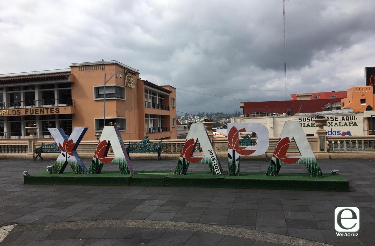Amanece letrero de Xalapa sin la L