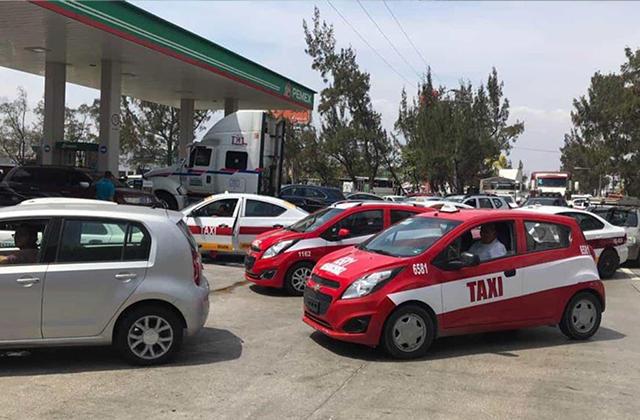 Precios bajos de gasolina desatan caos vial en Veracruz Puerto