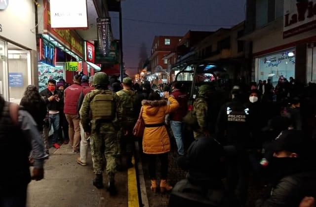 Operativo policial contra pirotecnia termina en 'pleito', en Xalapa