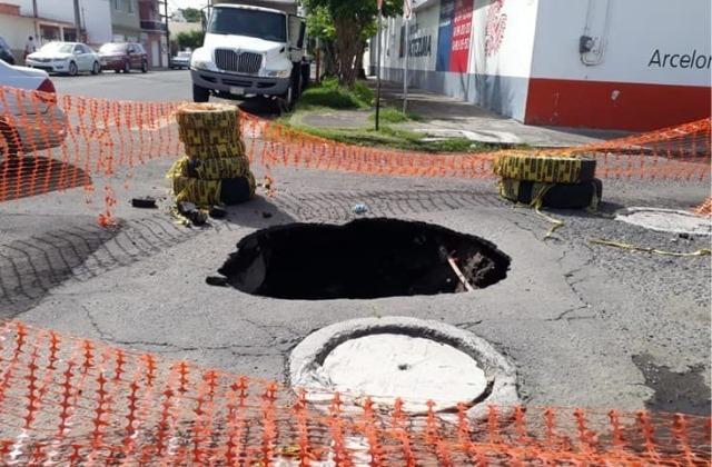 Aumento de baches en Xalapa, culpa de la lluvia: Hipólito