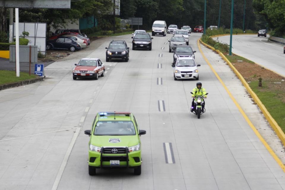 Piden reductores de velocidad en bulevar Coatepec; SIOP se niega