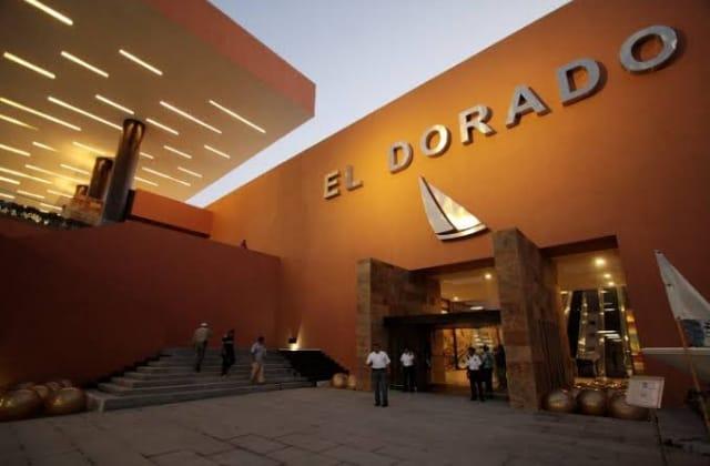 En asalto a clientes, roban reloj de medio millón en plaza El Dorado