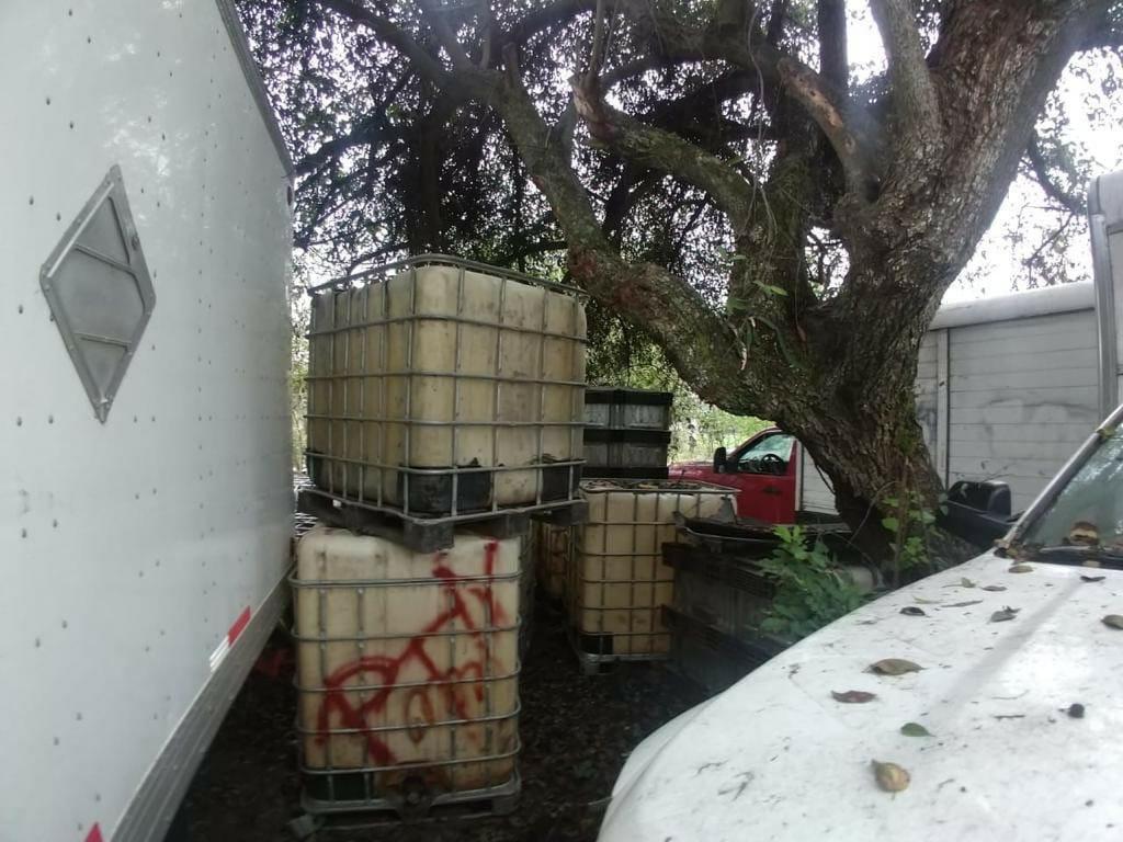 Aseguran vehículos y contenedores en Omealca