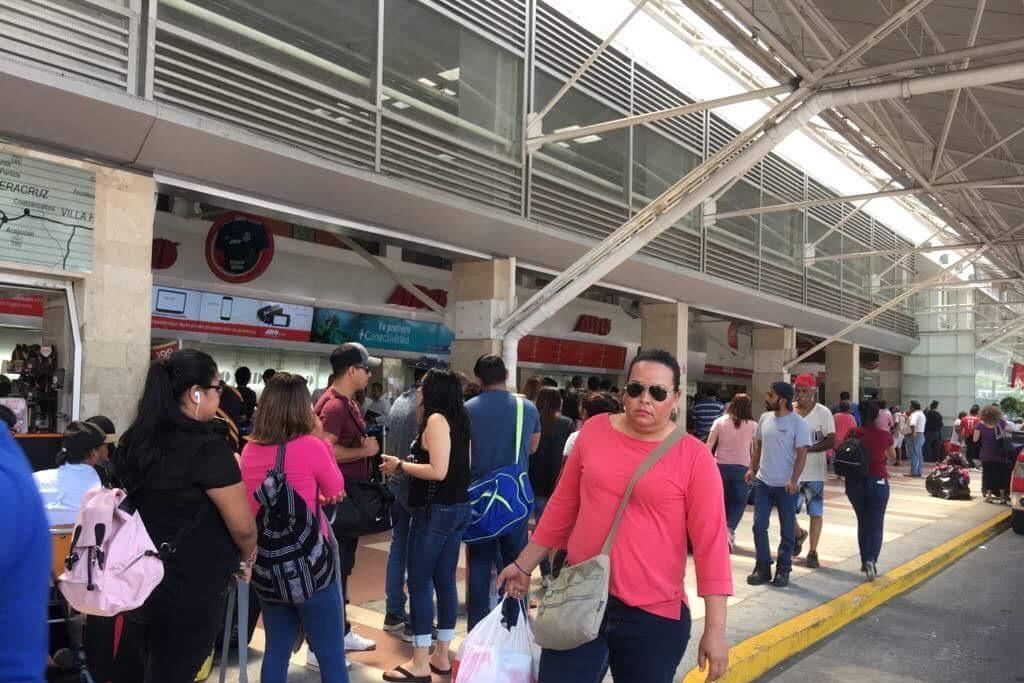 Inicia el éxodo de turistas tras vacaciones de Semana Santa