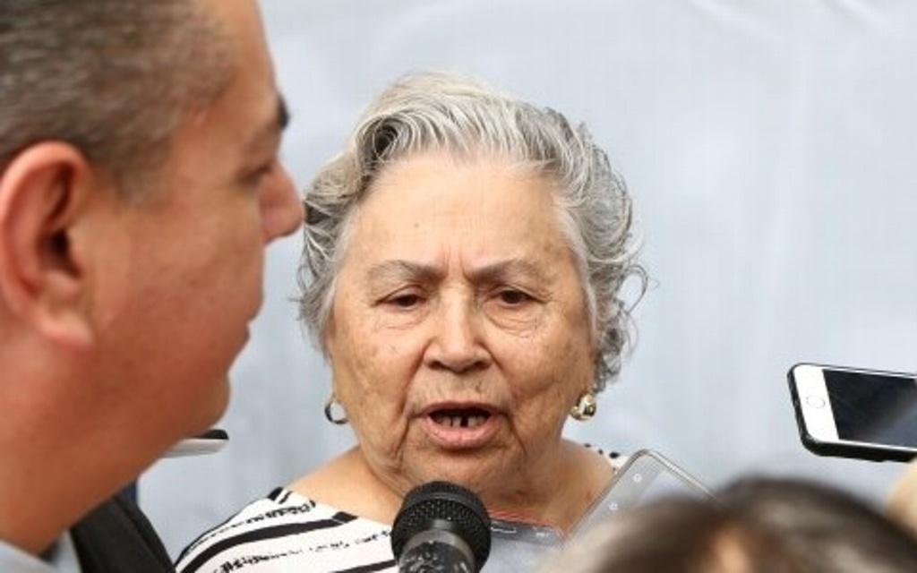 Hospitalizan a la maestra Acela Servín, líder del STSE