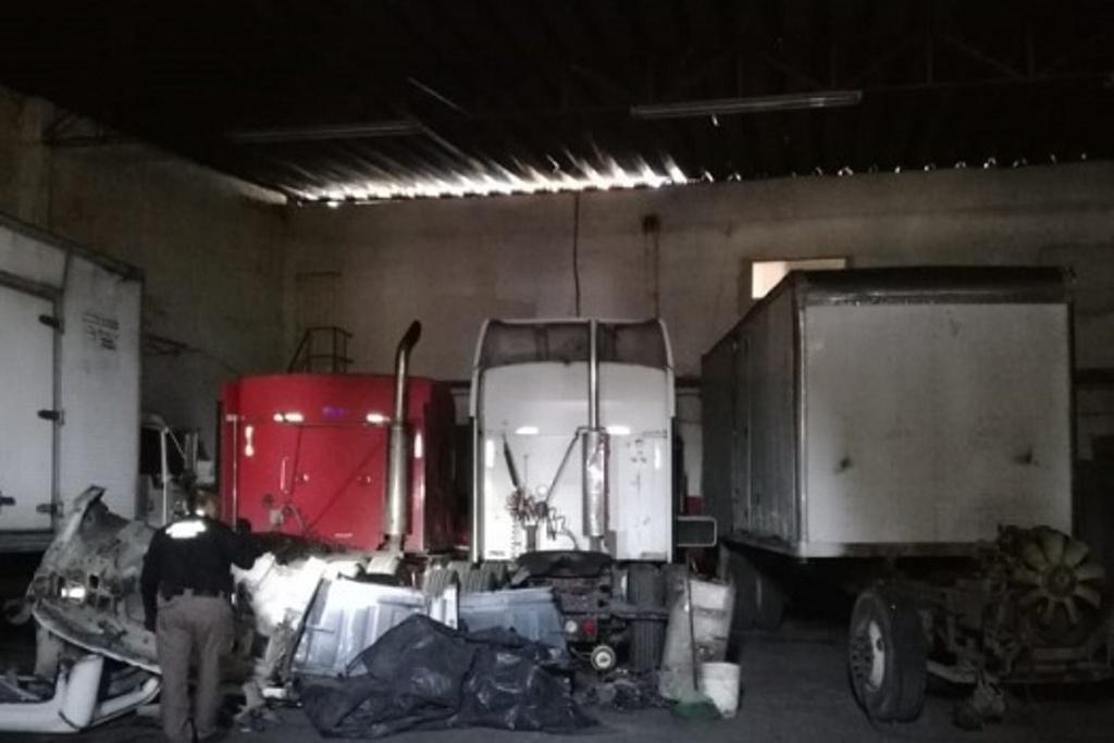 Córdoba: Aseguran autopartes, 5 vehículos y azúcar robada