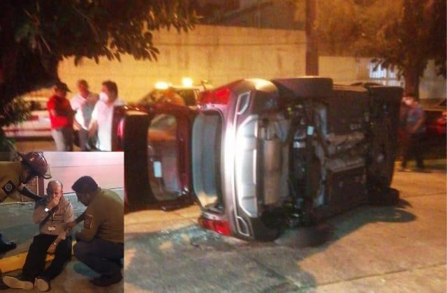 Juez de Coatza conducía alcoholizado y volcó su camioneta