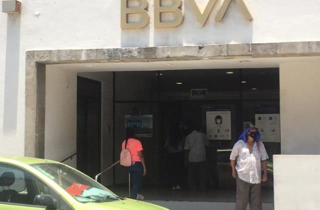 A punta de pistola, asaltan en banco del pleno centro de Veracruz