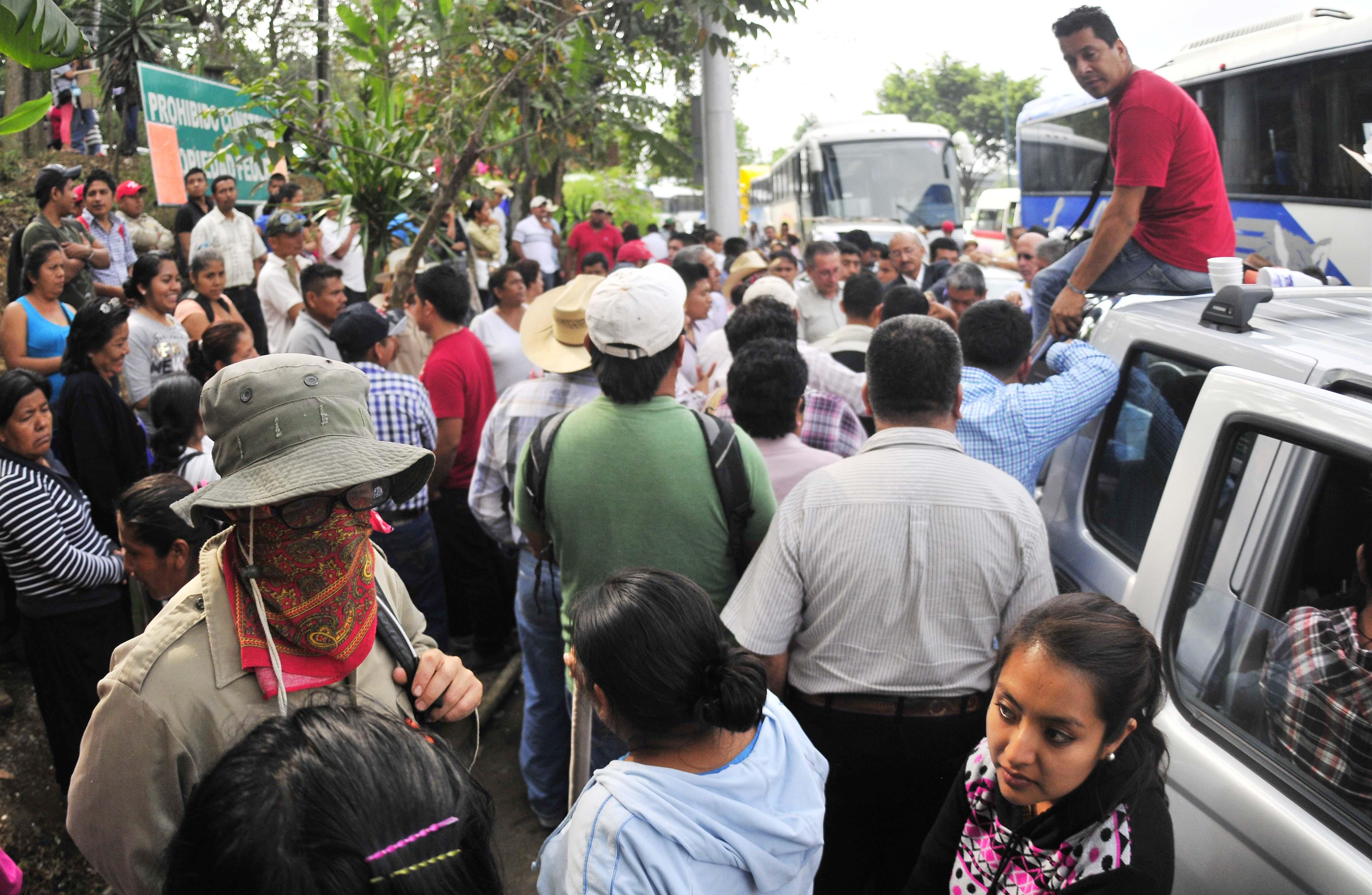 Campesinos exigen apoyos para vivienda y proyectos productivos
