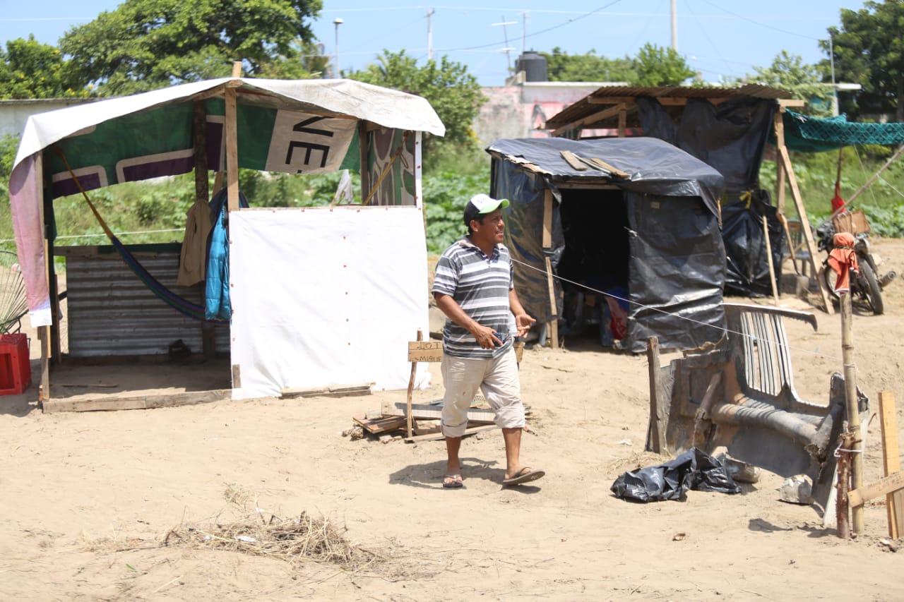 Fundan colonia en condiciones precarias y sin servicios básicos