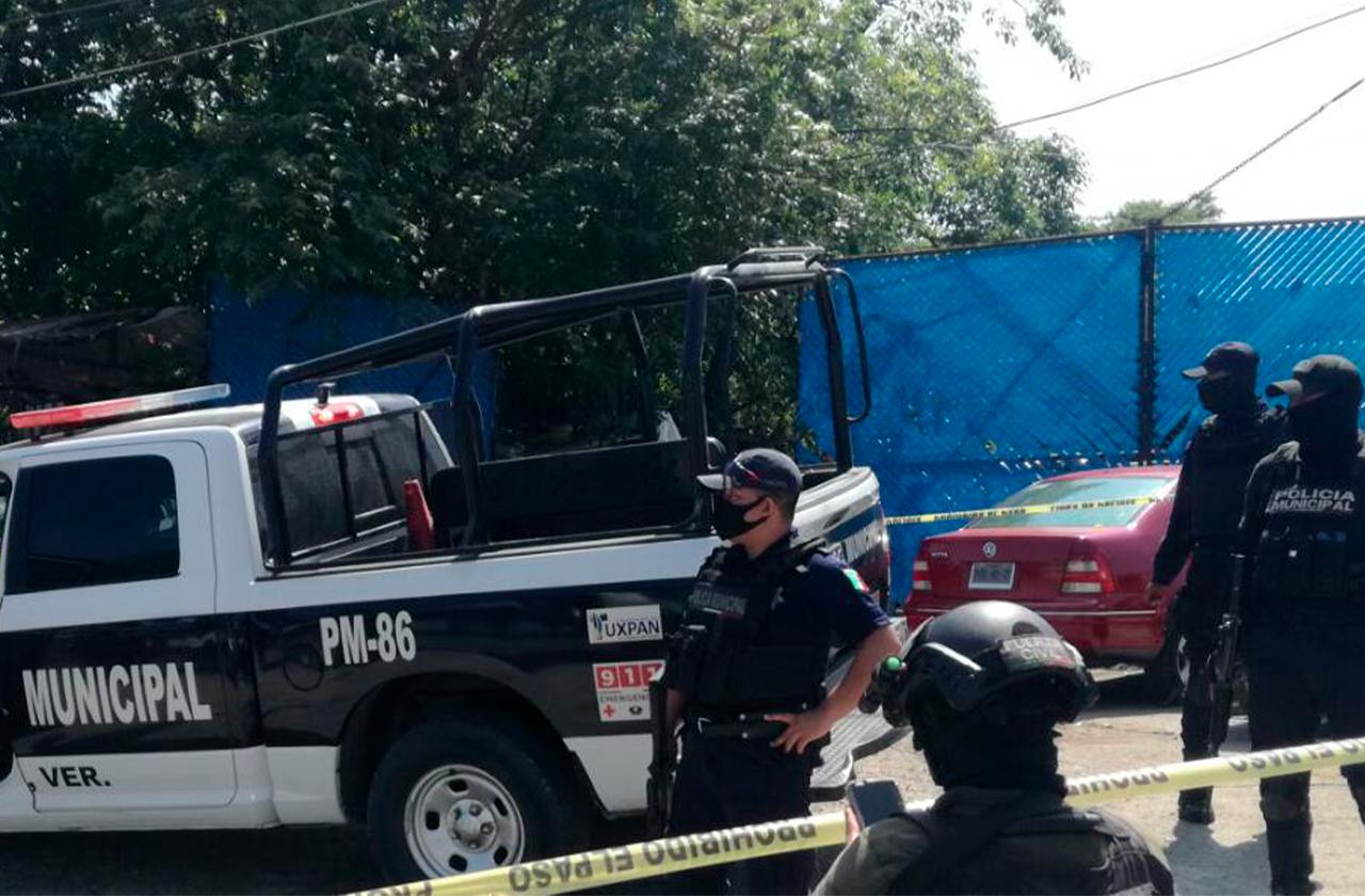A balazos, asesinan a 3 trabajadores de una chatarrera en Tuxpan