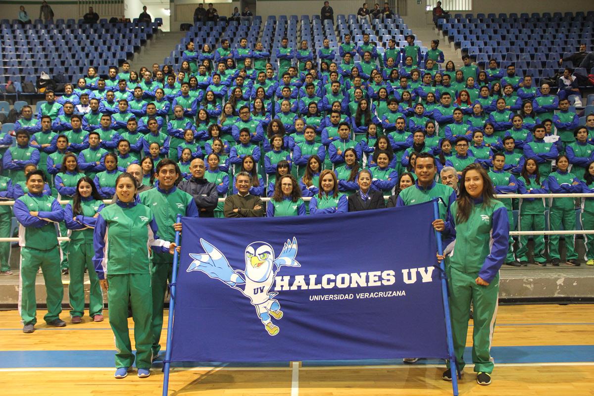 Abanderan a Halcones que van a la Universiada Regional 2017