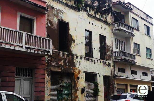 Edificios en ruinas y abandono: un riesgo latente para jarochos