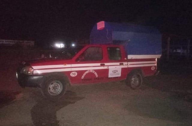 Balean a mujer en atentado contra camioneta rural, en Oteapan