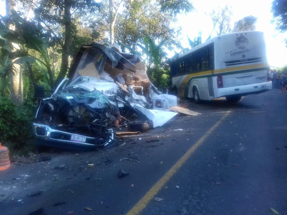Al menos 7 muertos y 22 heridos por accidente en carretera Fortín-Huatusco