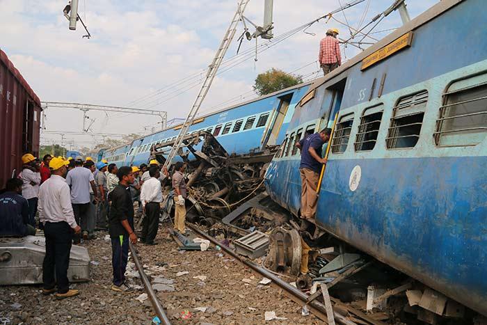 Accidente de tren en India causa 39 muertos y 50 heridos