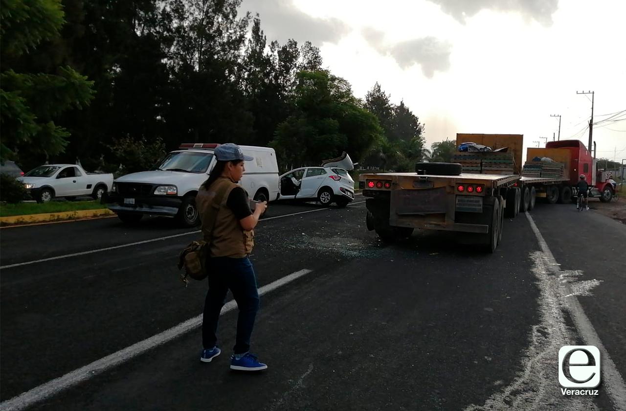 Accidente en la Xalapa-Veracruz; hay una mujer muerta y un herido