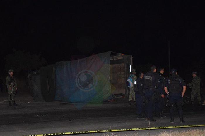 Un muerto tras choque de camión militar en Pueblo Viejo, Veracruz
