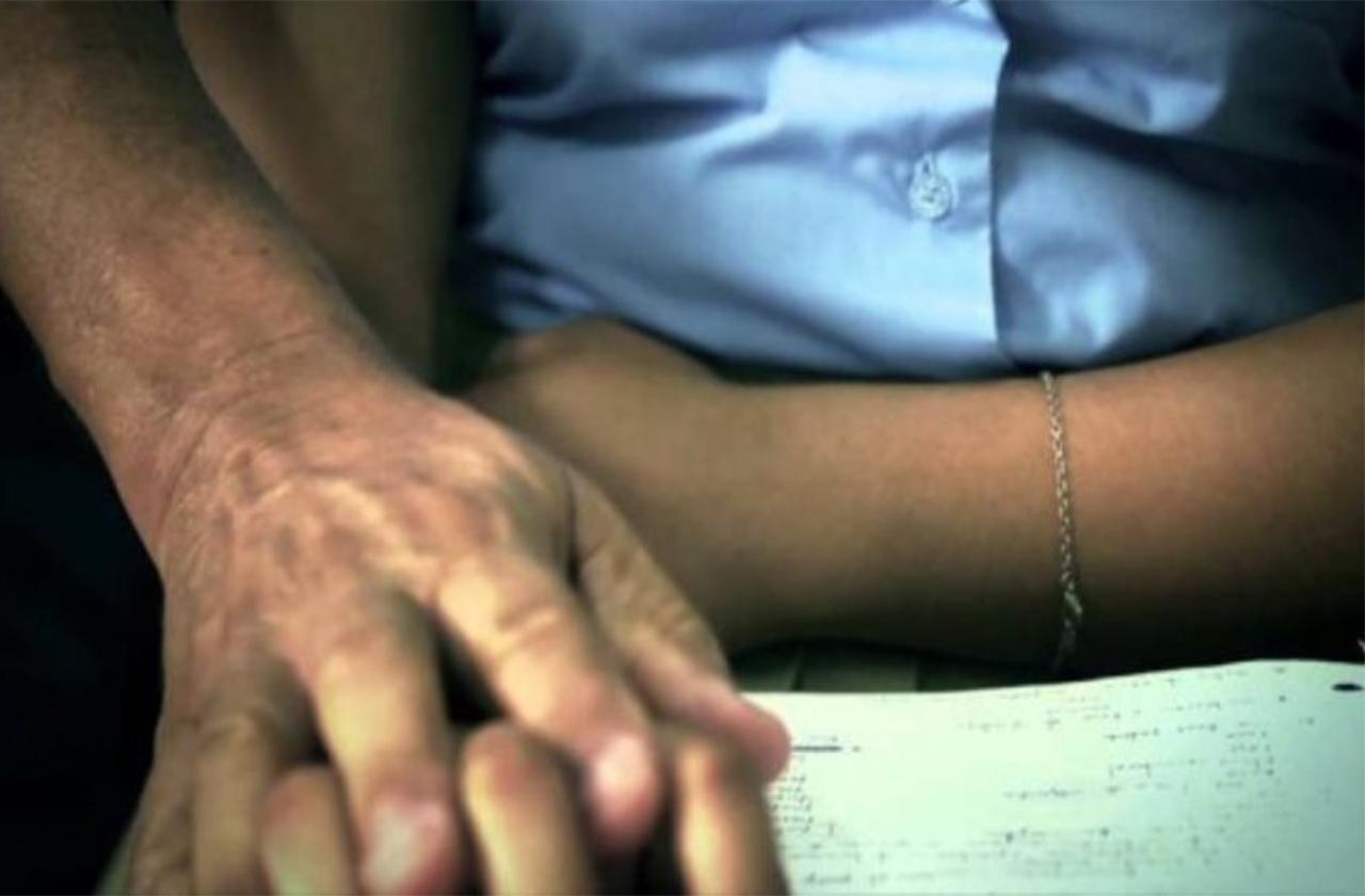 En Poza Rica, piden renuncia de maestro acosador