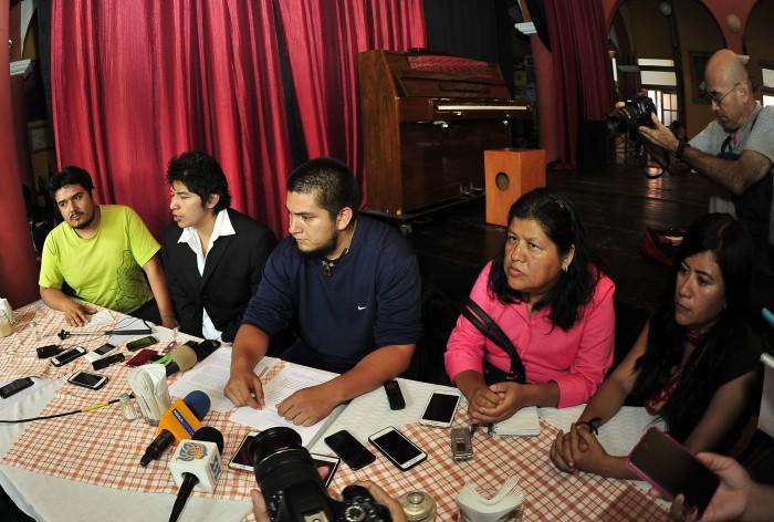 Amigos de Rubén Espinosa viven acoso y persecuciones