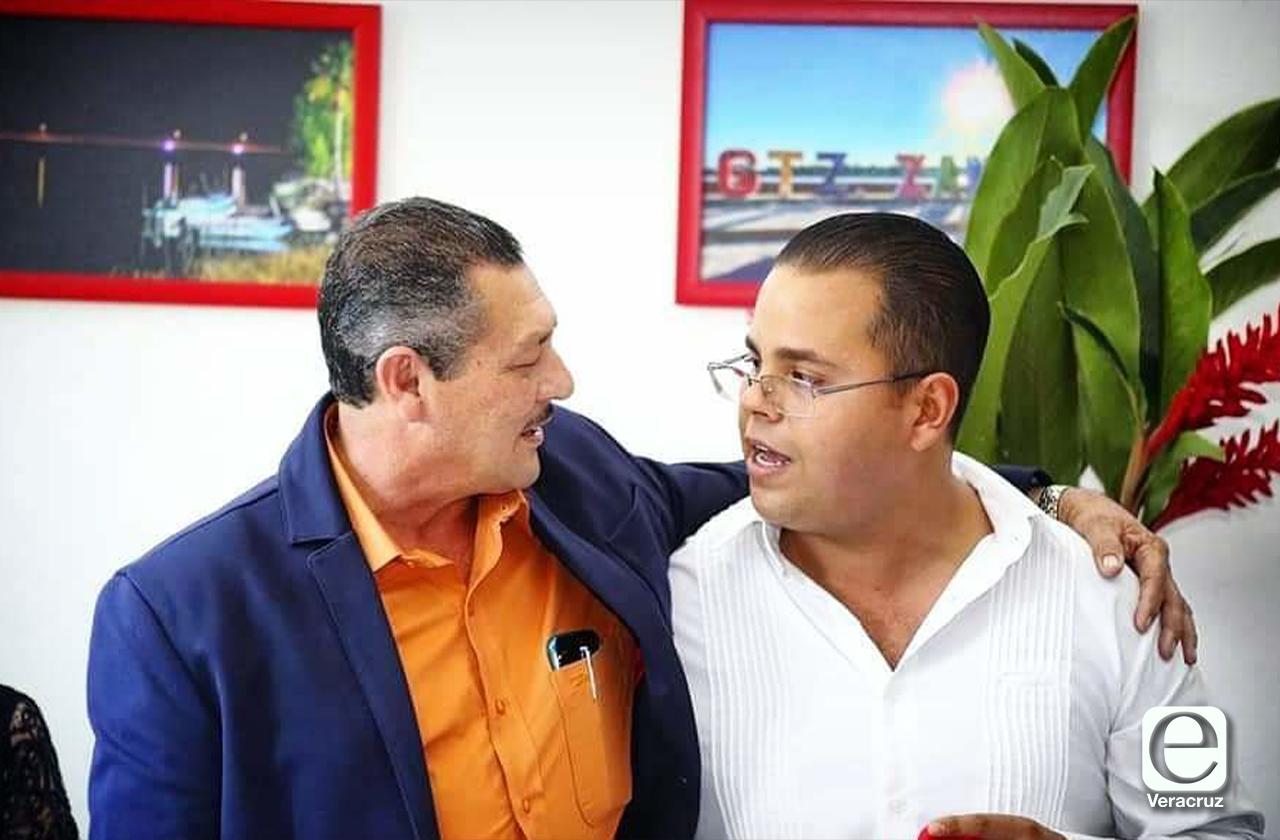 Acribillan a secretario del alcalde de Gutiérrez Zamora