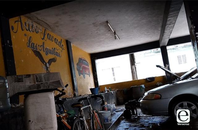Acribillan a dueño de autolavado en Coatepec