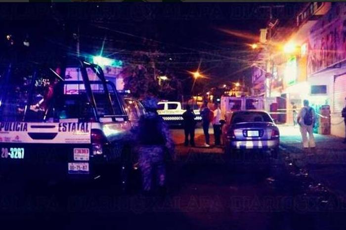 Muere una de las personas baleadas en la calle Acueducto de Xalapa
