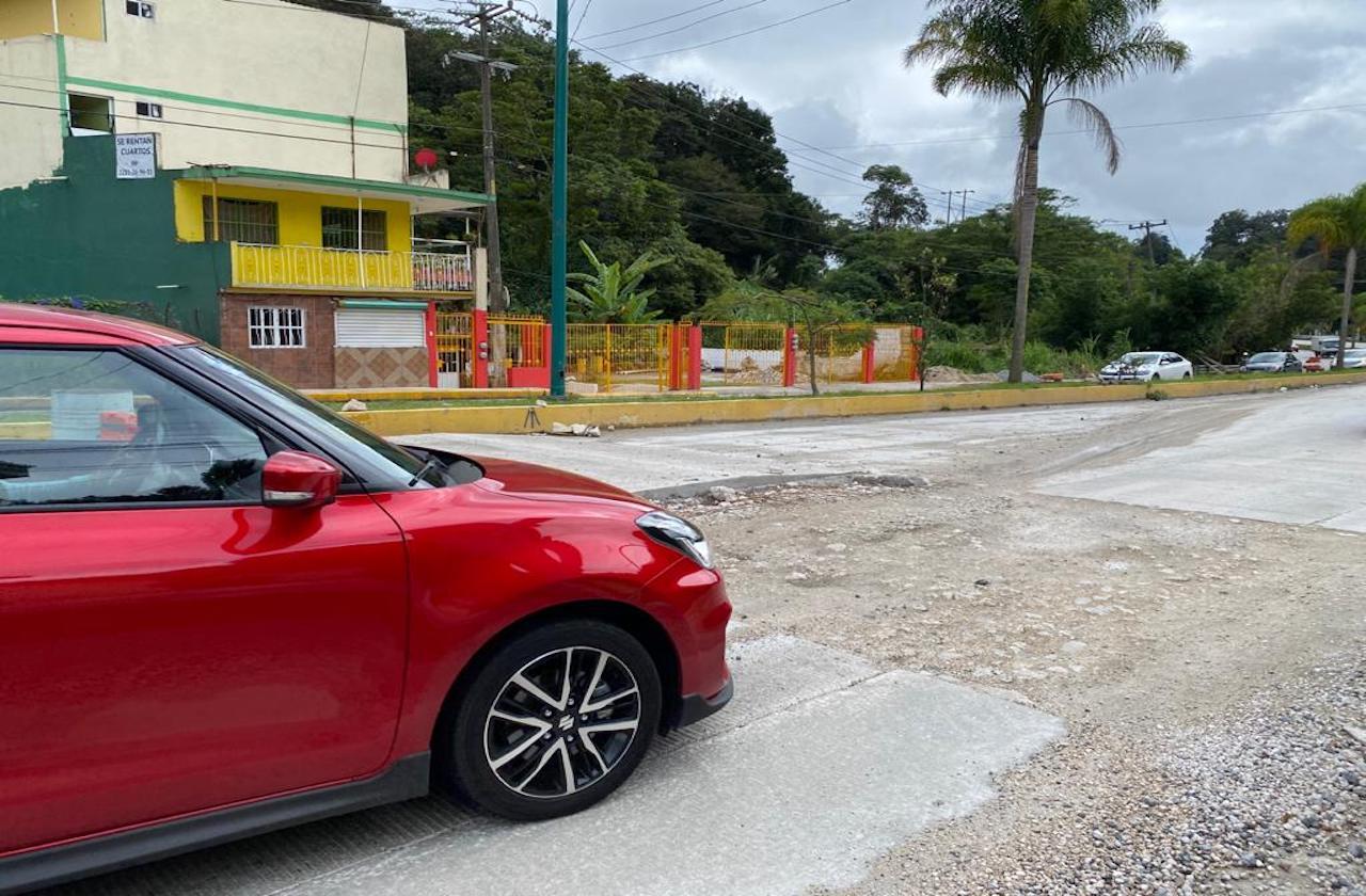 Acusan atraso en construcción de rampas en la Xalapa-Coatepec