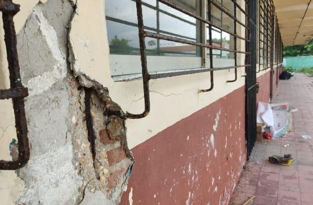 Primaria en Coatza se cae a pedazos; optan por no regresar