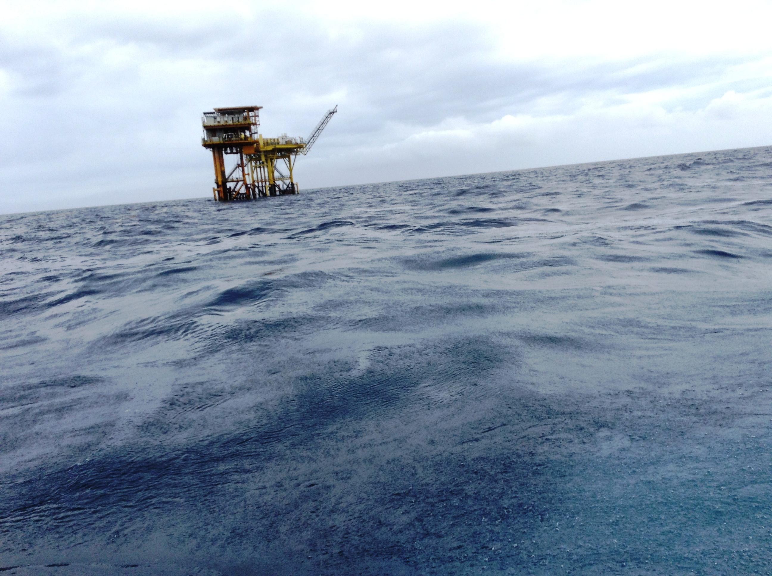 Pemex se niega a pagar daños a pescadores