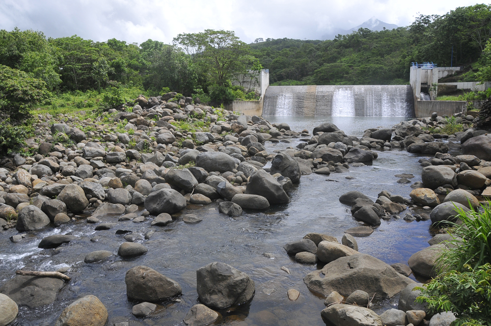 Descartan que presa Yuribia sufra situación similar del río Atoyac