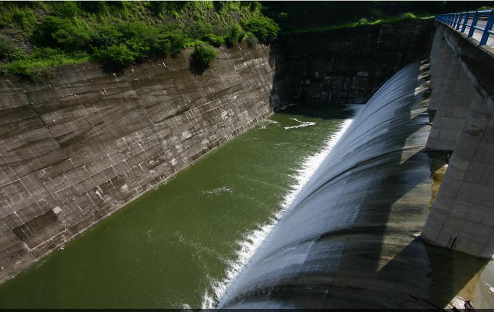 Hidroeléctrica El Naranjal pone en riesgo tres manantiales