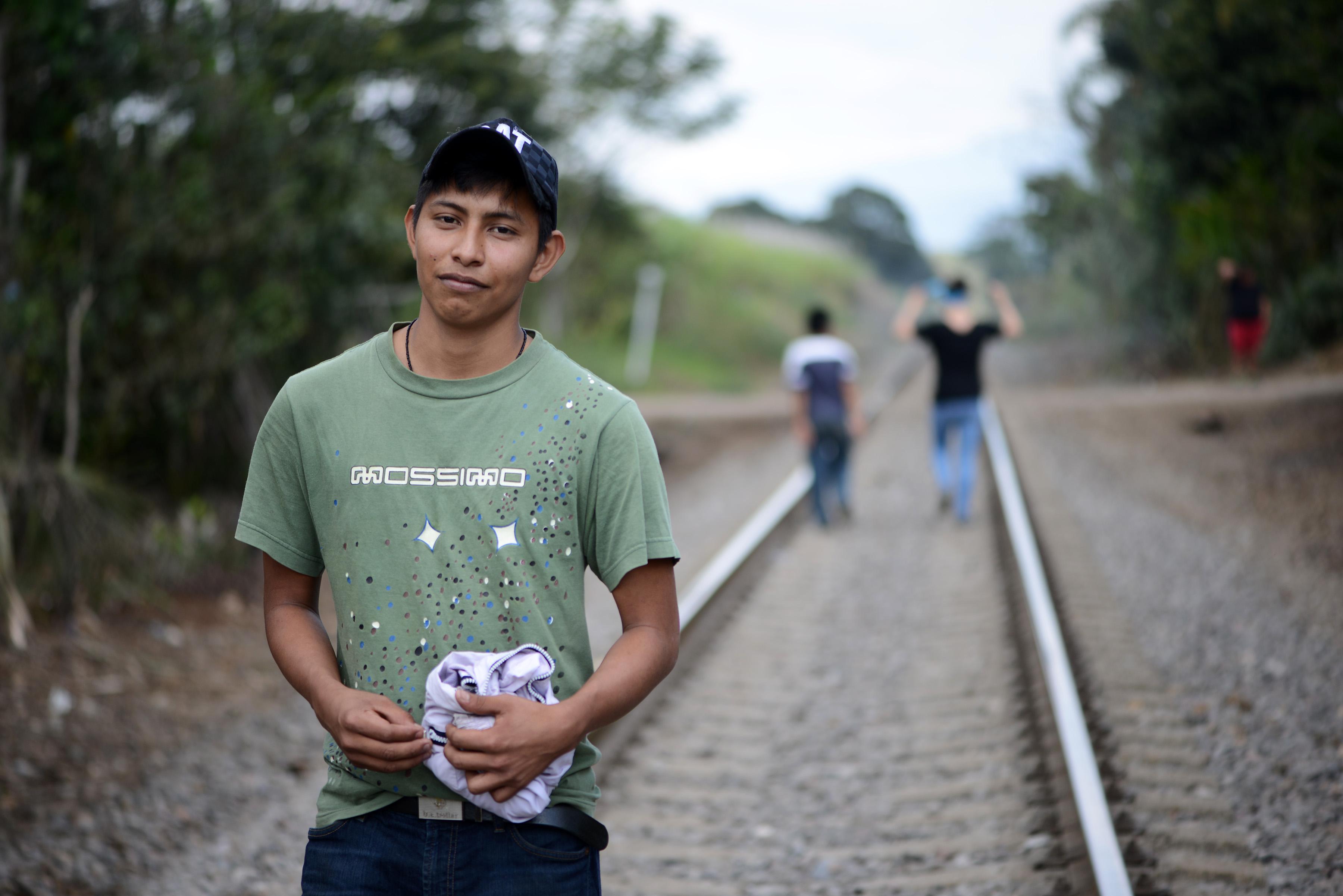 Más de ocho mil veracruzanos intentan cruzar frontera EU