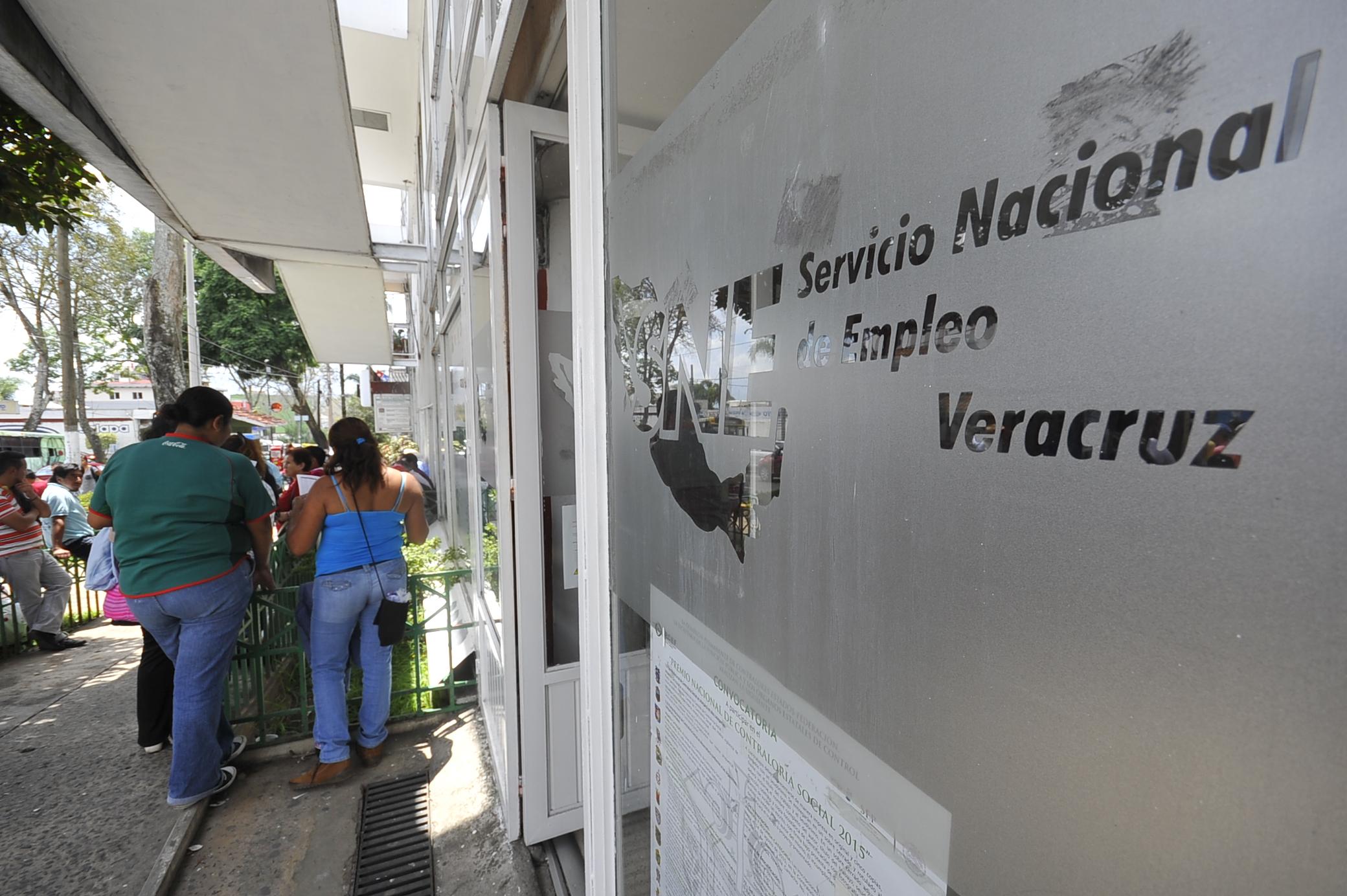 Desampara SNE a 15 trabajadores en Coatzacoalcos