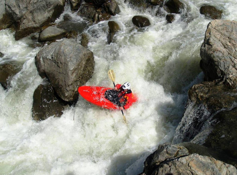 Desaparece kayakista francés en los ríos rápidos de Atzalan