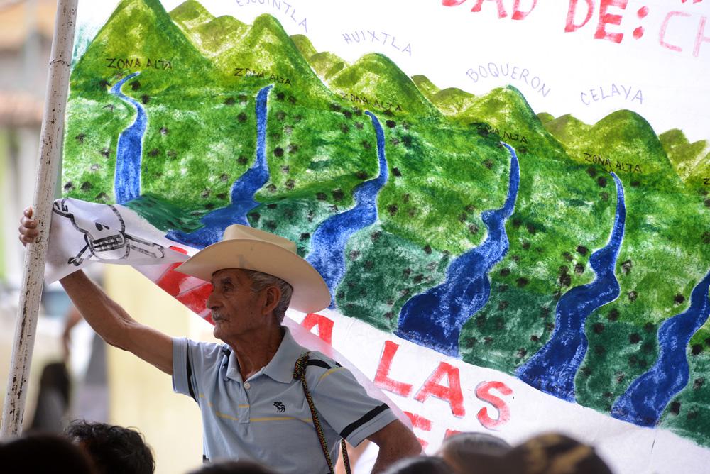 Proyectos hidroeléctricos, sin consulta y sin regulación