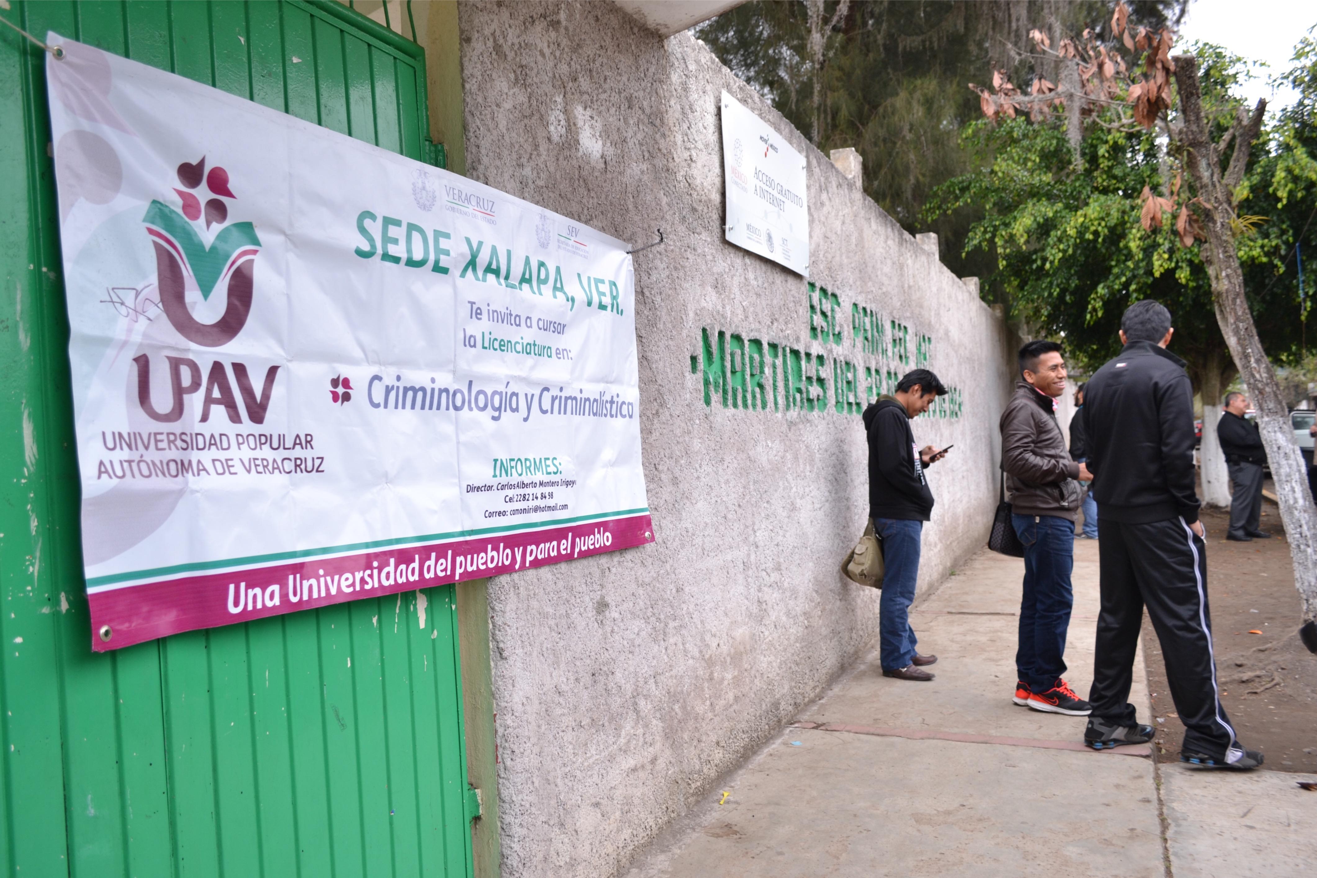 Alumnos denuncian incremento de costo del certificado de estudios UPAV
