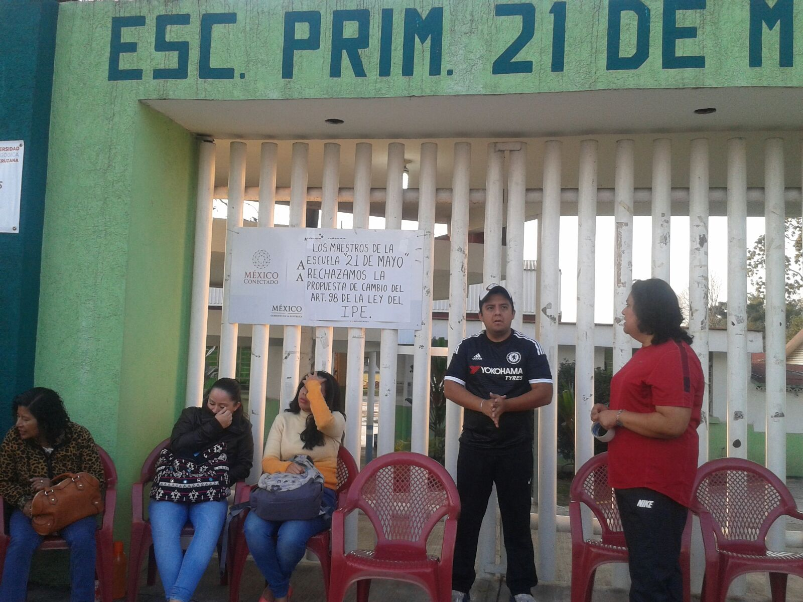 Sindicatos toman escuelas de la zona centro de Veracruz